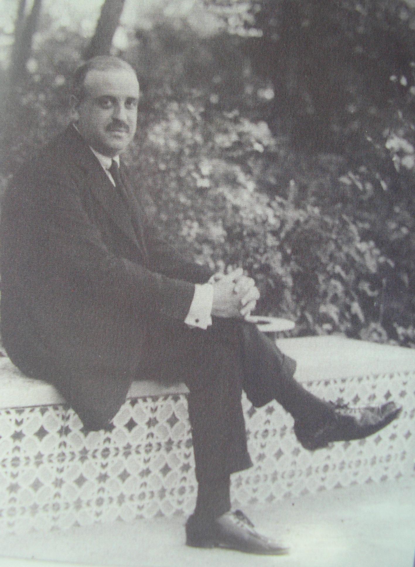 Dr Pedro Bernáldez: Fundador de la Sociedad Española de Traumatologia y Ortopédica (SECOT)