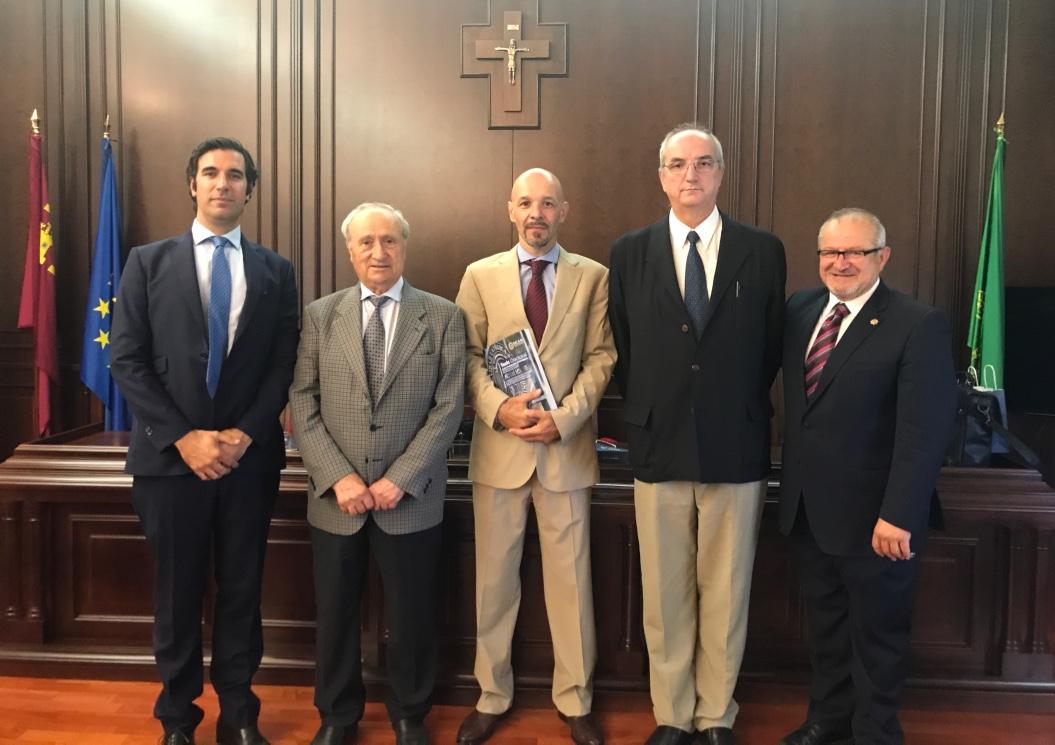 El Dr. Pedro Bernáldez participa en un Tribunal de Tesis Doctoral en la UCAM