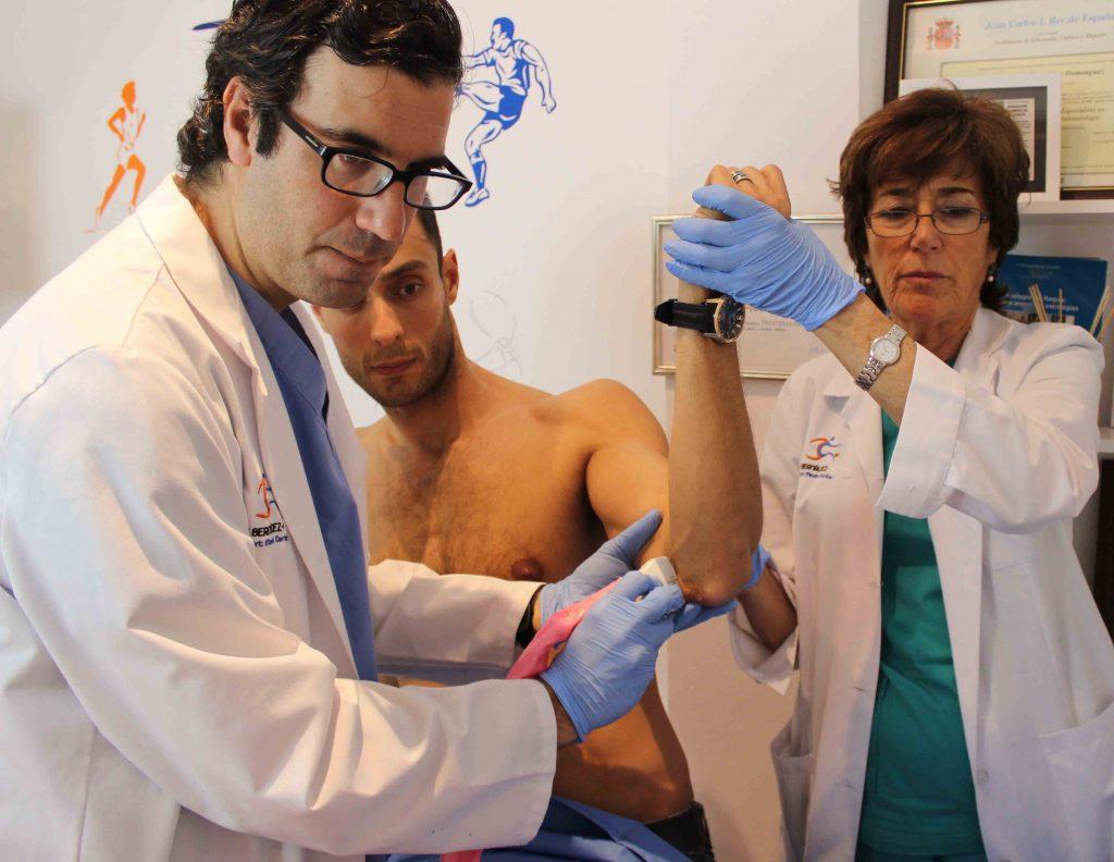1 ecografia cara medial del codo izquierdo en paciente con epitrocleitis cronica