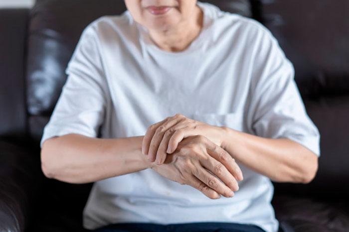 Artrosis: ¿Qué es y cómo la tratamos en SportMe?
